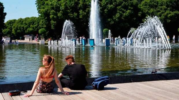 Жителей Петербурга предупредили о рекордной жаре на выходных