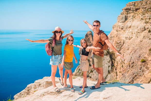 Осенние каникулы: куда поехать с детьми