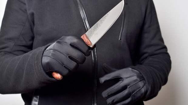 Найденные после пожара на Староватутинском проезде тела были изрезаны ножом