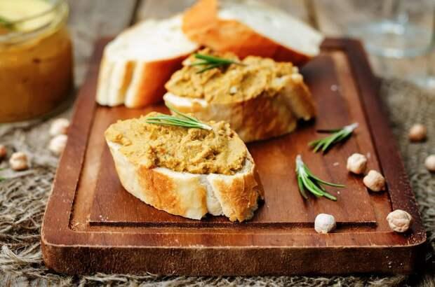Закусочный паштет из скумбрии и плавленого сыра