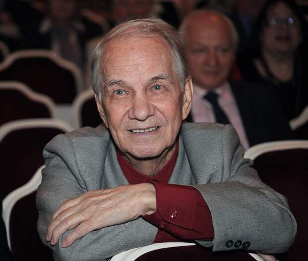 """Юрию Каюрову 93 года. Как живет сейчас знаменитый советский """"Ленин"""", который оказался завидным мужем"""