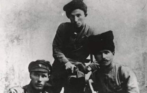 Иван Кутяков: почему НКВД не смог с первого раза арестовать преемника Чапаева