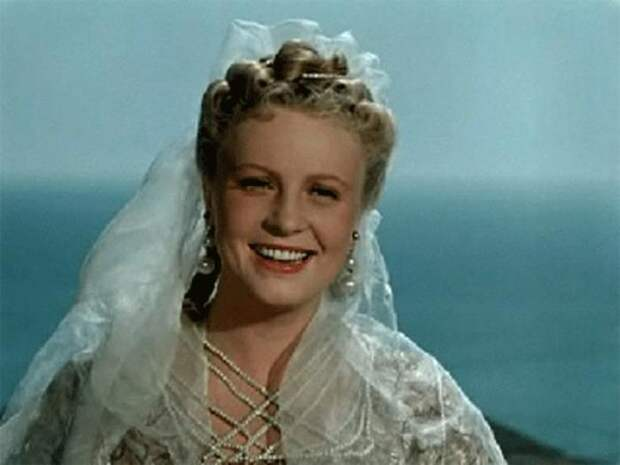Алла Ларионова в фильме *Двенадцатая ночь*, 1955 | Фото: kino-teatr.ru
