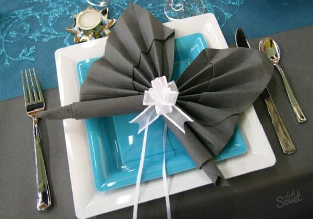 Как красиво сложить салфетки на праздничный стол