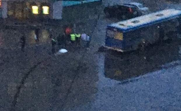 В Липецке под колесами автобуса погиб 12-летний мальчик