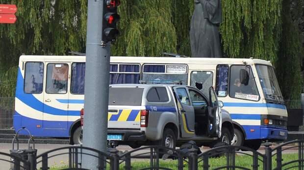 Штурм автобуса в Луцке войдет в сборник анекдотов. Даниил Безсонов