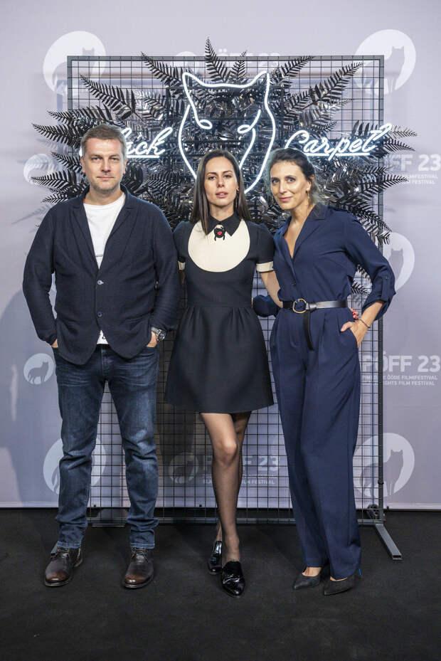 Мировая премьера сериала «Колл-центр» Меркуловой и Чупова состоялась в Таллине