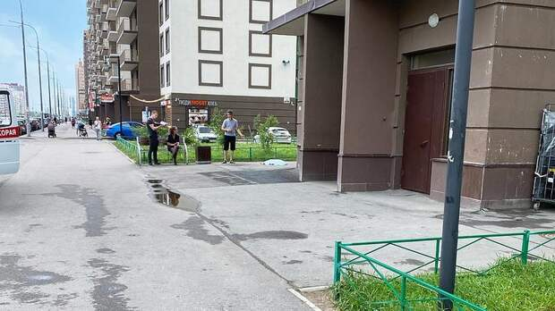 В Мурино двухлетний малыш выпал из окна