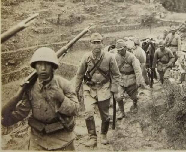 Японские солдаты во второй мировой войне.