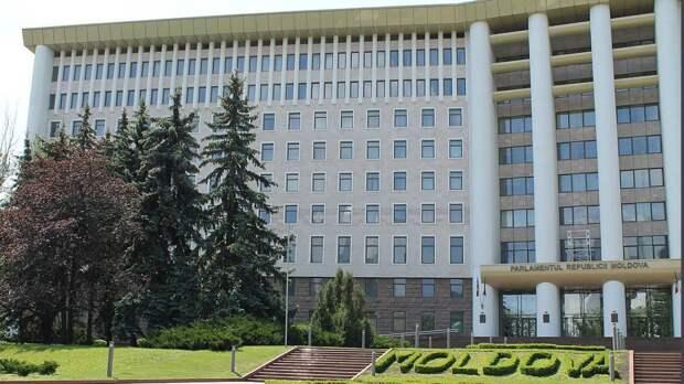 Правительство и парламент Молдавии могут лишиться отопления из-за газового кризиса
