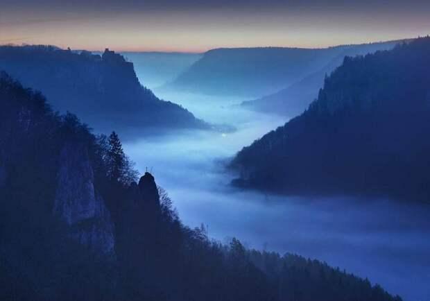 Заклинание сумерек: фотографии, сделанные на «синей границе» дня и ночи