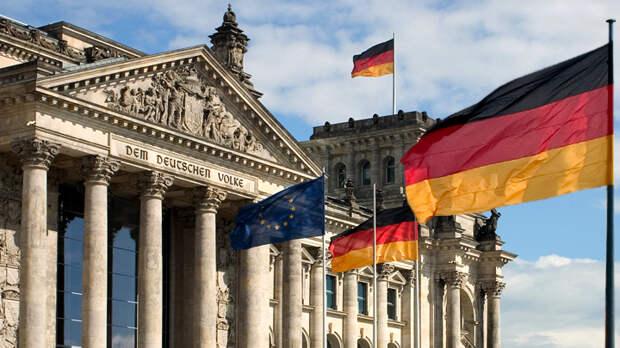 Страшная тайна: В Берлине расстроились, что Макрон проболтался о смерти НАТО