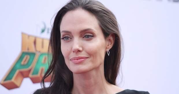 Анджелина Джоли завела инстаграм и побила рекорд Энистон