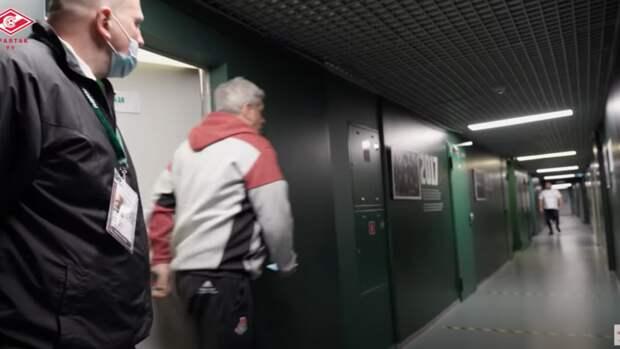 Источник: «Локомотив» наказан одним матчем нанейтральном поле