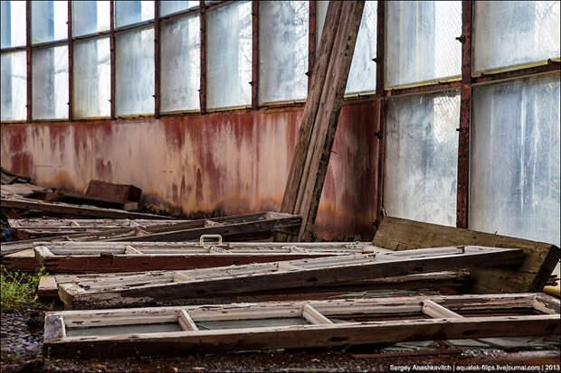Фабрика бурь или заброшенный штормовой бассейн (28 фото)