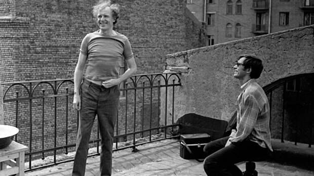Иннокентий Смоктуновский и Андрей Кончаловский на съемках фильма «Романс о влюбленных» (1974)