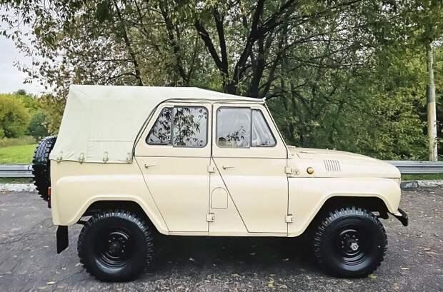 В Москве продают 40-летний УАЗ с пробегом 1700 километров