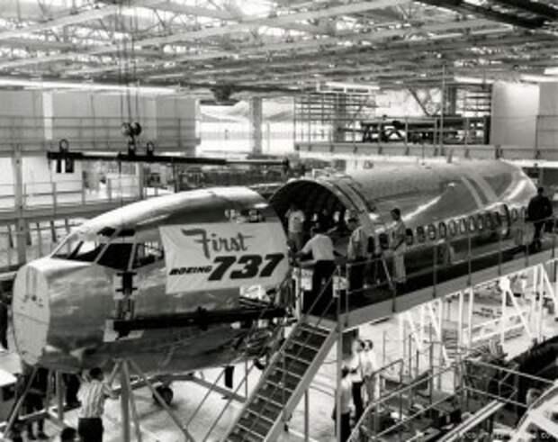 Сборка первого Boeing 737