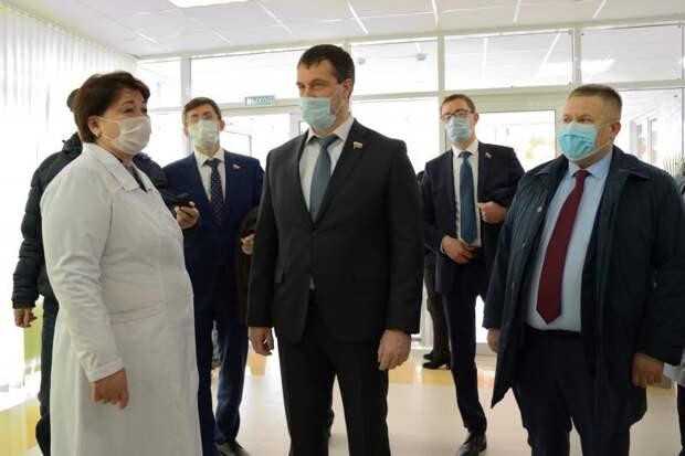 Сенаторы ознакомились с новыми объектами здравоохранения, построенными по индивидуальной программе развития Адыгеи