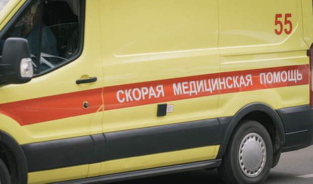 Неизвестный мужчина умер надетской площадке вЕкатеринбурге