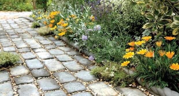 Тротуарная плитка успешно имитирует дорожное покрытие.