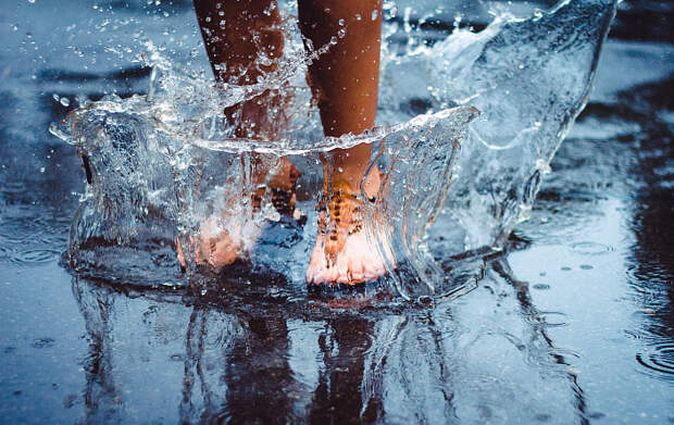 Обливание холодной водой: нюансы и детали