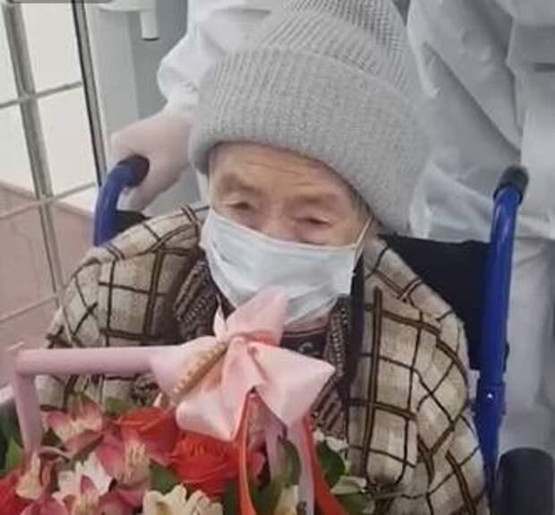 99-летнюю женщину вылечили от COVID-19 в Карачаево-Черкесии