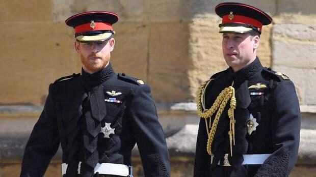 Принцы Уильям и Гарри продолжают враждовать после похорон супруга Елизаветы II