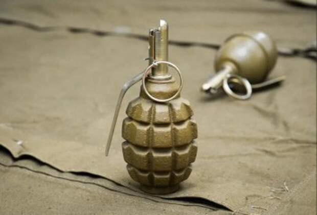 В Сухиничах у жилого дома нашли ручную гранату