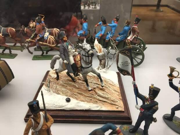Фигурки солдатиков из Музея Армии в Париже