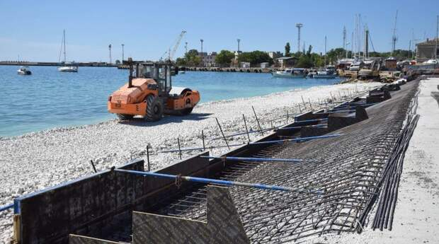 В Евпатории планируют возобновить реконструкцию набережной имени Терешковой с августа