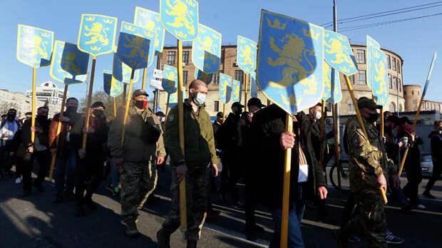 Киев и Западная Украина безбожно косят от армии – эксперт