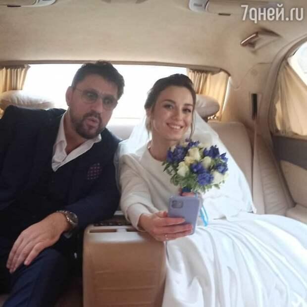 Не прошло и года: Виктор Логинов женился в четвертый раз