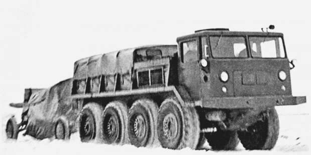 Автомобиль ЗИЛ-134 при буксировке тяжелого артиллерийского орудия  история, ссср, факты