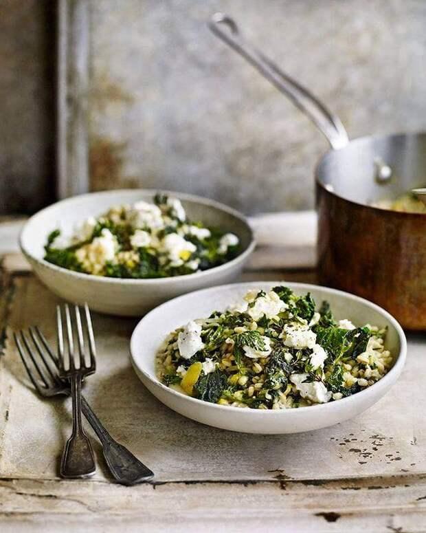 Песто, лепешки и еще два рецепта с крапивой: не пропускаем первые витамины!