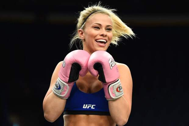 Самые красивые девушки из UFC