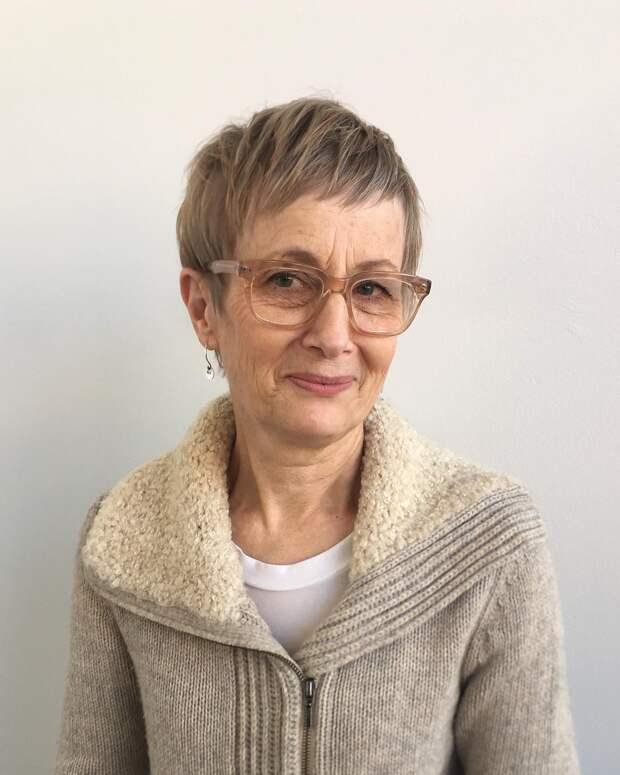 12 восхитительных стрижек для дам старше 50 лет для овального лица 2021
