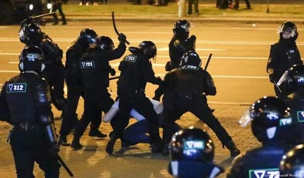 Лукашенко разрешил силовикам применять силу при разгоне демонстраций