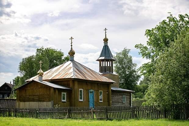 В селе два храма, этот - старообрядческий
