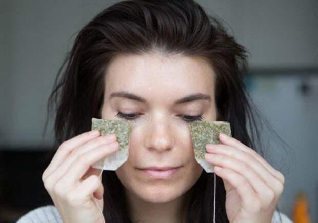6 проверенных способов использовать чайную заварку для красоты лица