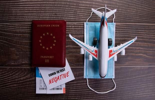 Мужчина купил незнакомцу билет на самолет, чтобы он смог вернуться домой