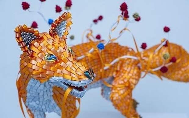 Оказывается, из лент можно делать не только цветы, но и целые скульптуры 👍