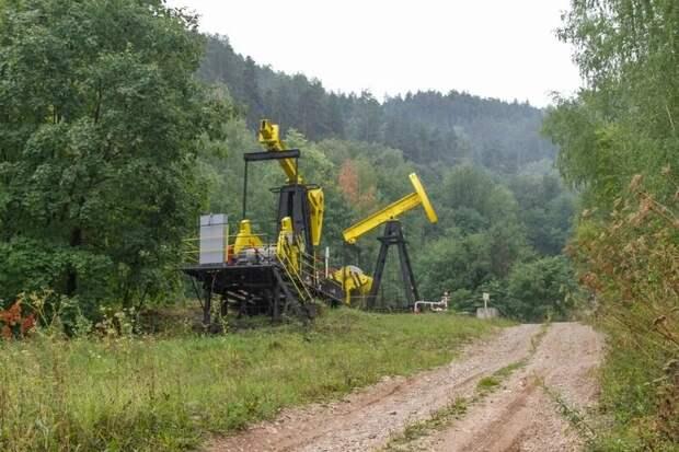 Нефтяная установка в Жигулевских горах