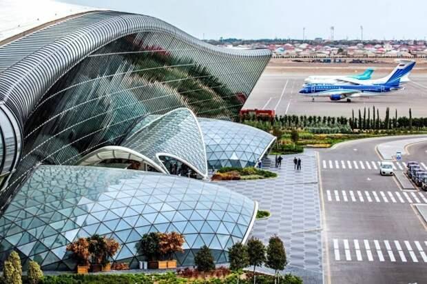 Самый красивый аэропорт с оттенком культа личности, которые начали строить еще в СССР