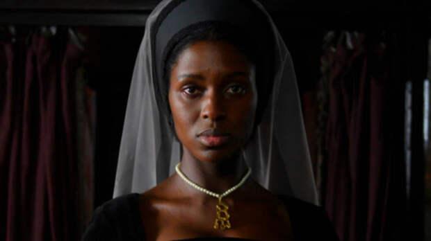 Первые кадры сериала, где королеву Англии сыграла темнокожая актриса