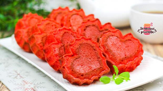 Фото к рецепту: Нежнейшие кексы красный бархат