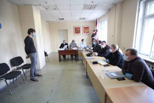 На призывной комиссии/ Роман Балаев