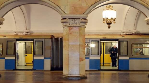 Московское метро отметило 83-летие открытием выставки ретропоездов
