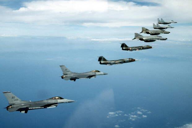 За 2020 год у российских рубежей обнаружили 4 000 иностранных боевых самолетов