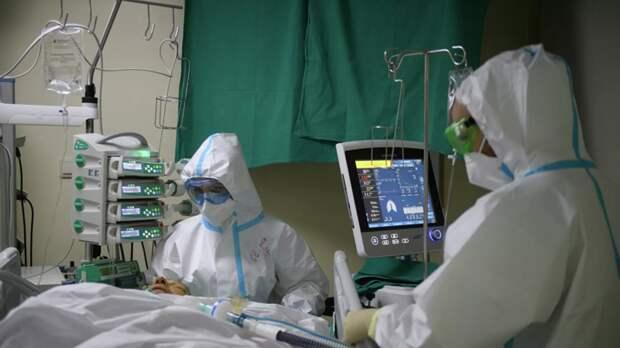 В реанимации в России лежат 3800 пациентов с коронавирусом